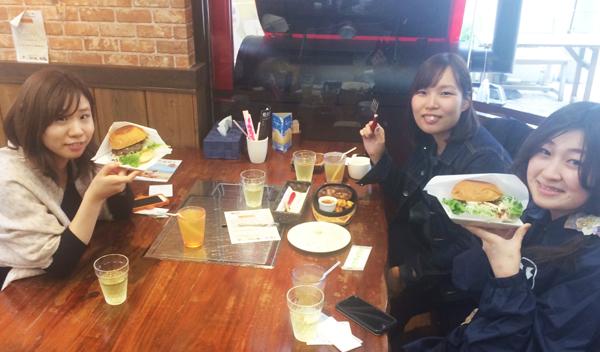 ハンバーグステーキ カルビロースト丼