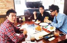 千葉県より友人三人 ビックバーガー ハンバーガー 串豚バラ 串カルビー